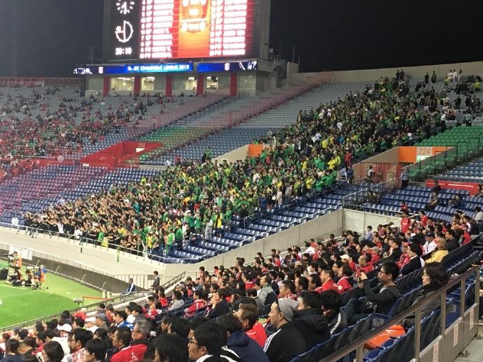 日本网友赞国安球迷:应援声很棒,他们是真正的朋友