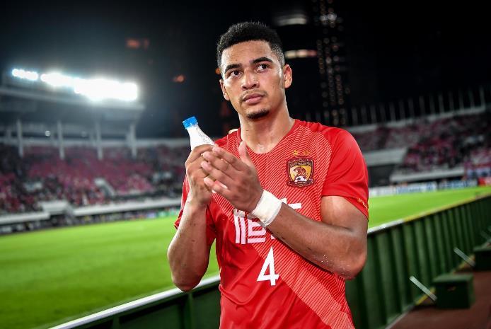 国内媒体:布朗宁已拿到中国护照,正在收集资料向国际足联申诉