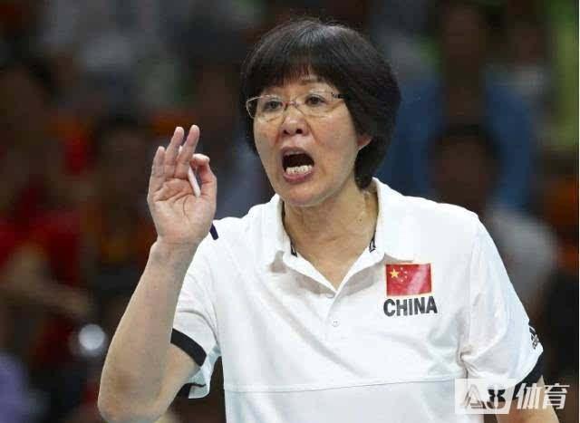郎平确认奥运后离任,接班者全是年轻人,新老交替却让人放心