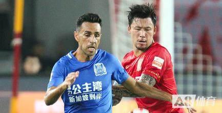 扎哈维:偶像是C罗,最喜欢的中国球员是张琳芃