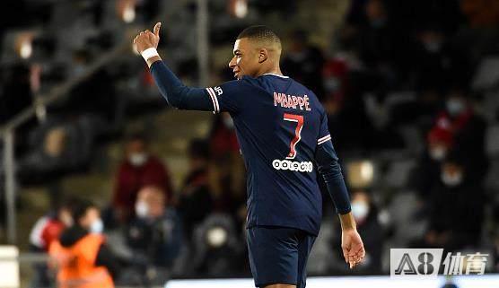 前法甲球员:奴巴佩要以C罗和亨利为榜样,用实用的动作提升进球效率