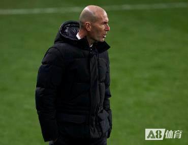 齐达内:皇马的竞争一直都很激烈,但是这不是教练的问题