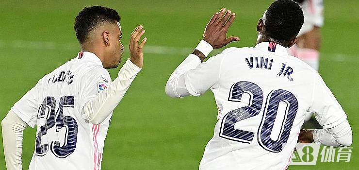 五大联赛击中门框最多球队排名:巴黎里昂并列榜首,皇马米兰第二