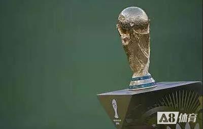队报:2022年世界杯开踢前一周,俱乐部才会放行球员