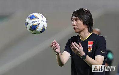 北青:李铁为12强赛作技战术总结,国足或与中超球队热身