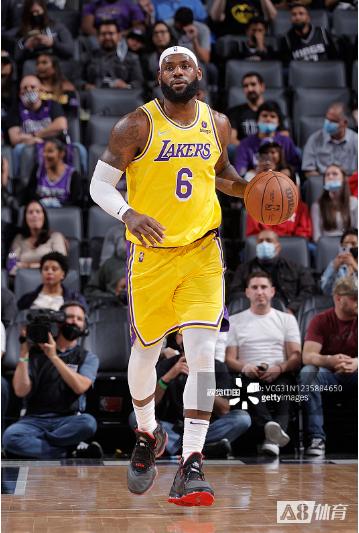詹姆斯:能够穿上NBA球衣是最让人感到谦逊和幸福的事之一